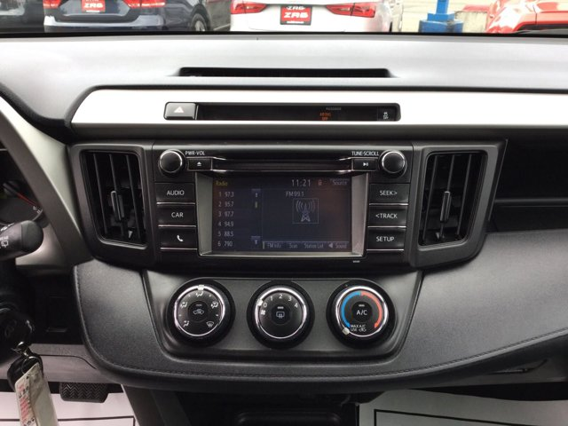 Used 2016 Toyota RAV4 FWD 4dr LE