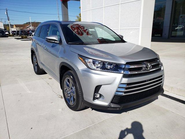 New 2019 Toyota Highlander in Ashland, KY