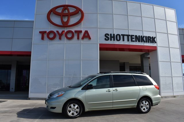 Used 2006 Toyota Sienna in Quincy, IL