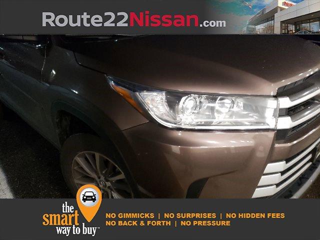 2019 Toyota Highlander XLE XLE V6 AWD Regular Unleaded V-6 3.5 L/211 [6]