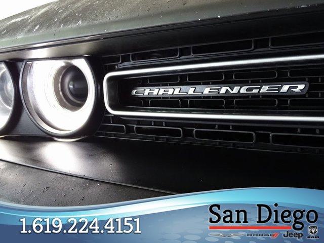 Used 2016 Dodge Challenger 2dr Cpe SXT
