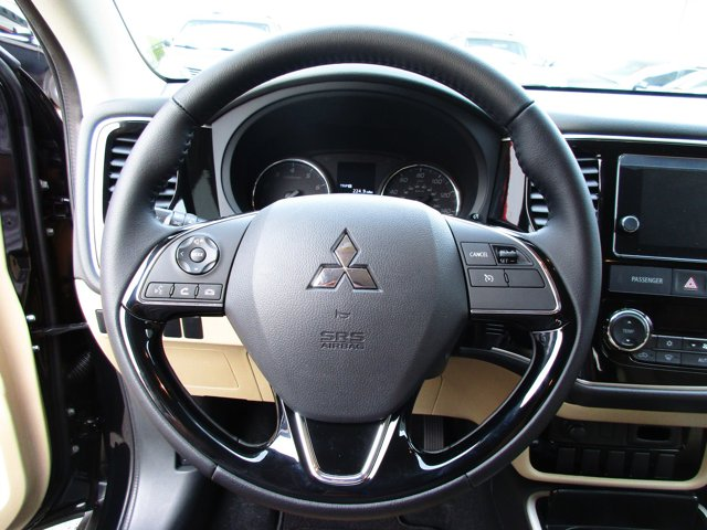 Photo 6 of this used 2017 Mitsubishi Outlander vehicle for sale in San Rafael, CA 94901