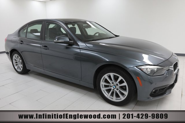 2017 BMW 3 Series 320i xDrive 320i xDrive Sedan South Africa Intercooled Turbo Premium Unleaded I-4 2.0 L/122 [13]