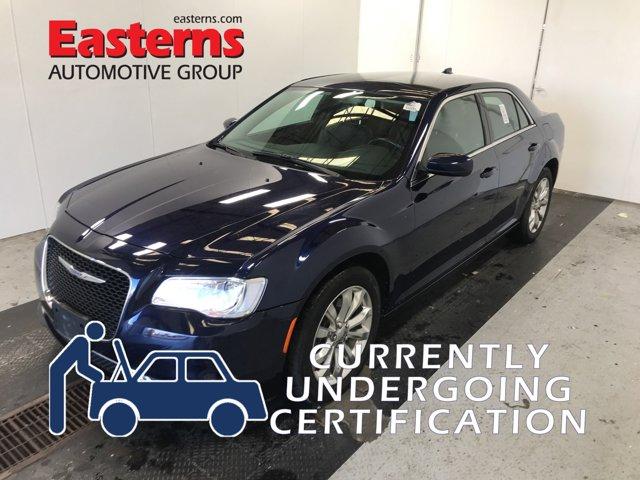 2017 Chrysler 300 Limited 4dr Car
