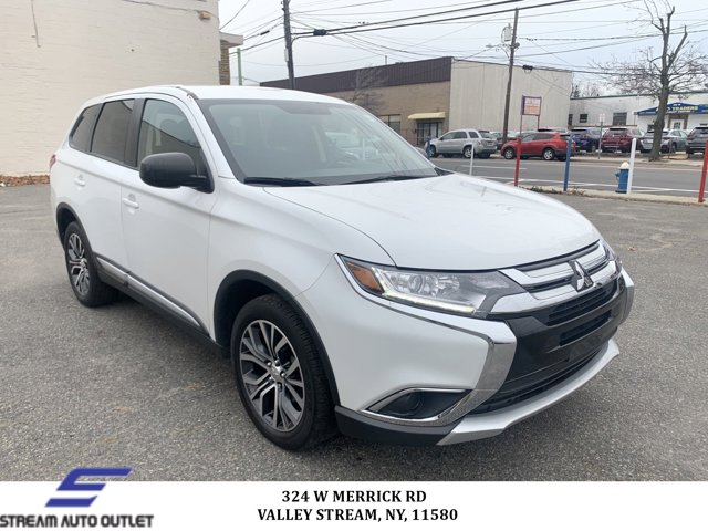 Used 2018 Mitsubishi Outlander in Valley Stream, NY