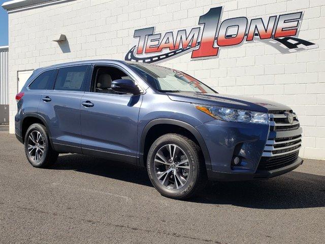 New 2019 Toyota Highlander in Rainbow City, AL