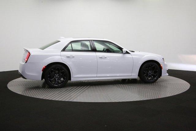 2019 Chrysler 300 for sale 122966 40