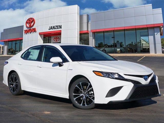 New 2020 Toyota Camry Hybrid in Stillwater, OK