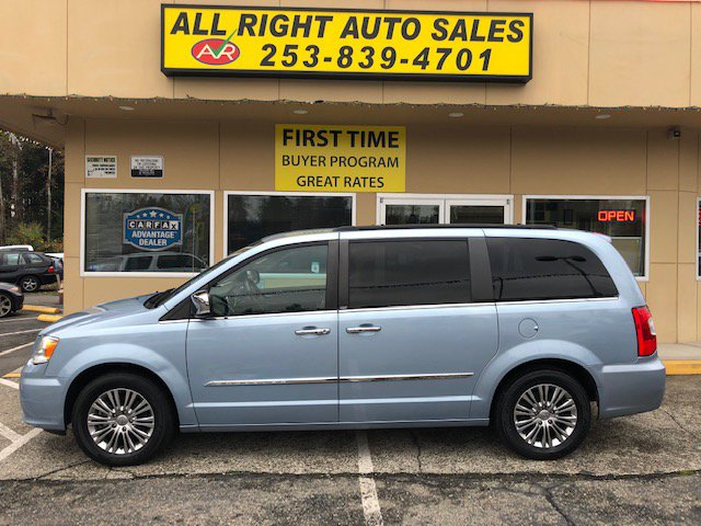 Used 2013 Chrysler Town & Country in Federal Way, WA