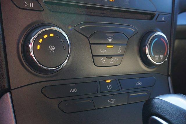 2016 Ford Edge  4dr SE FWD