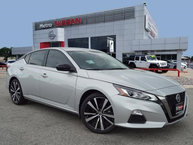 2020 Nissan Altima 2.5 SR 2.5 SR Sedan Regular Unleaded I-4 2.5 L/152 [11]