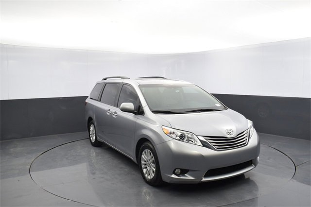 Used 2017 Toyota Sienna in Oklahoma City, OK