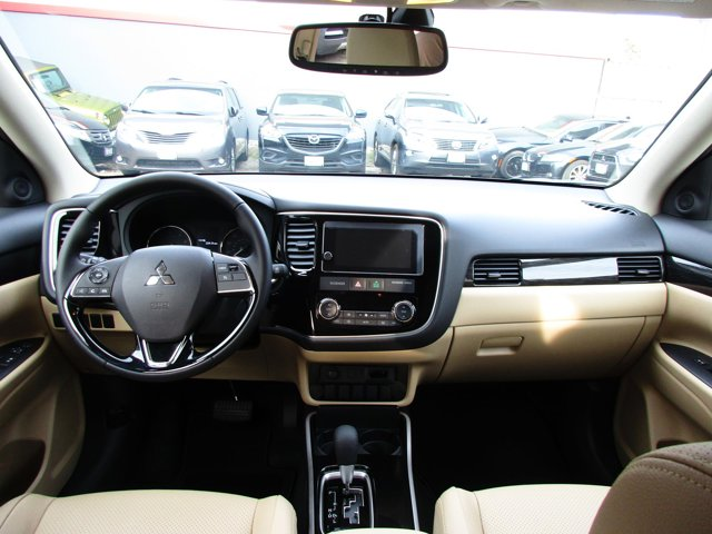 Photo 3 of this used 2017 Mitsubishi Outlander vehicle for sale in San Rafael, CA 94901