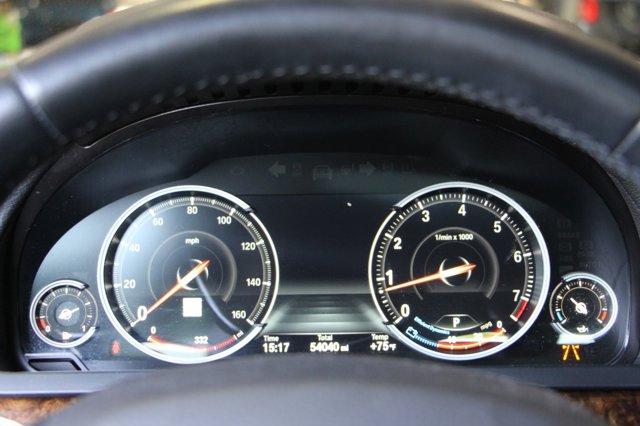 2015 BMW 7 SERIES 740Li 32