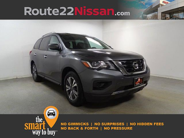 2017 Nissan Pathfinder S 4x4 S Regular Unleaded V-6 3.5 L/213 [0]