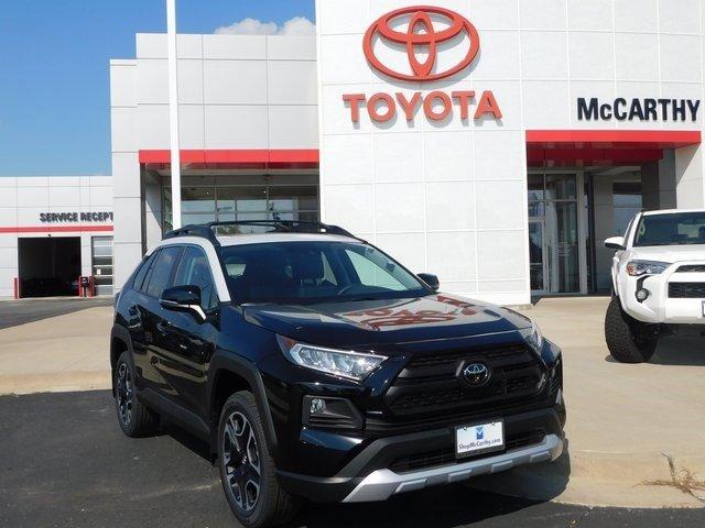 New 2019 Toyota RAV4 in Sedalia, MO