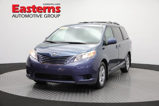 2017 Toyota Sienna for sale 125128 0