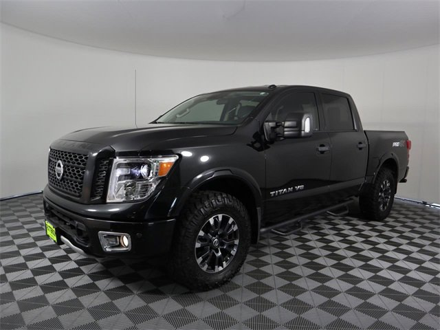 2018 Nissan Titan PRO-4X 4x4 Crew Cab PRO-4X Regular Unleaded V-8 5.6 L/339 [12]