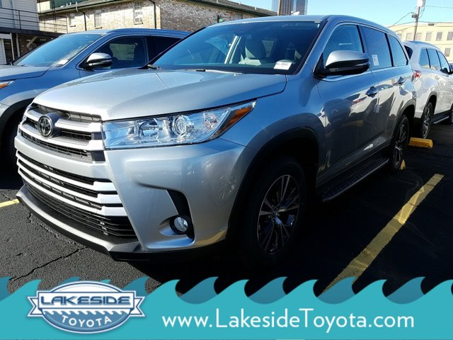 New 2019 Toyota Highlander in Metairie, LA