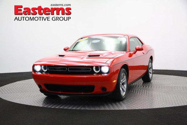 2016 Dodge Challenger SXT 2dr Car