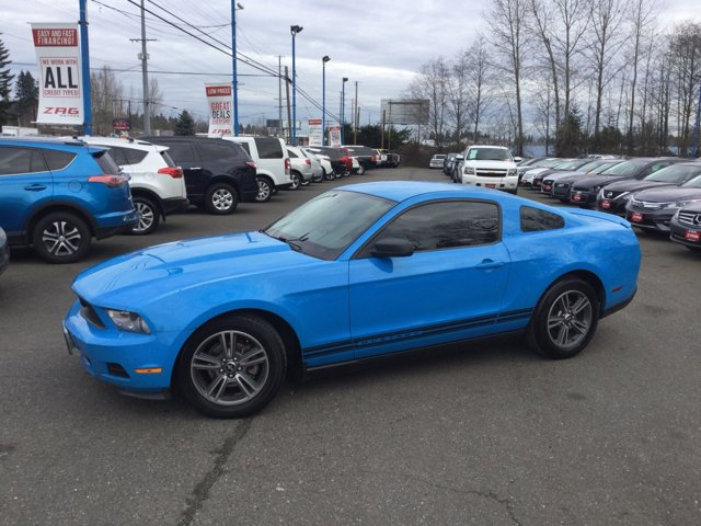 Used 2010 Ford Mustang 2dr Cpe V6 Premium