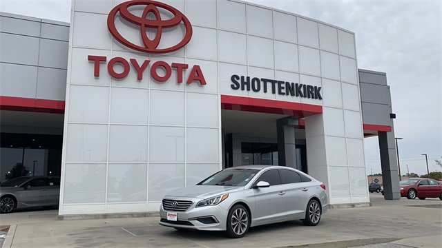 Used 2016 Hyundai Sonata in Quincy, IL