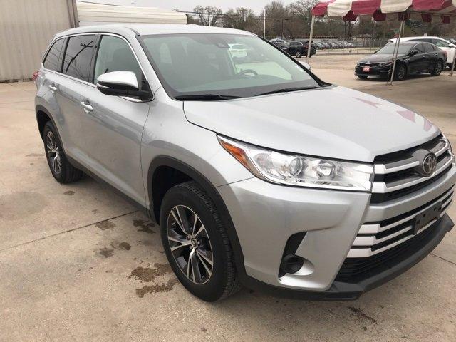 Used 2019 Toyota Highlander in Conroe, TX