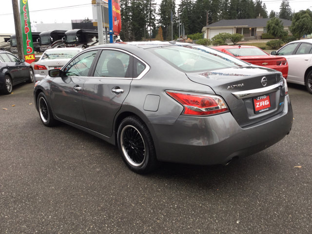 Used 2014 Nissan Altima 4dr Sdn I4 2.5 SL