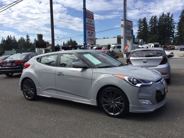 Used 2013 Hyundai Veloster 3dr Cpe Auto RE:MIX