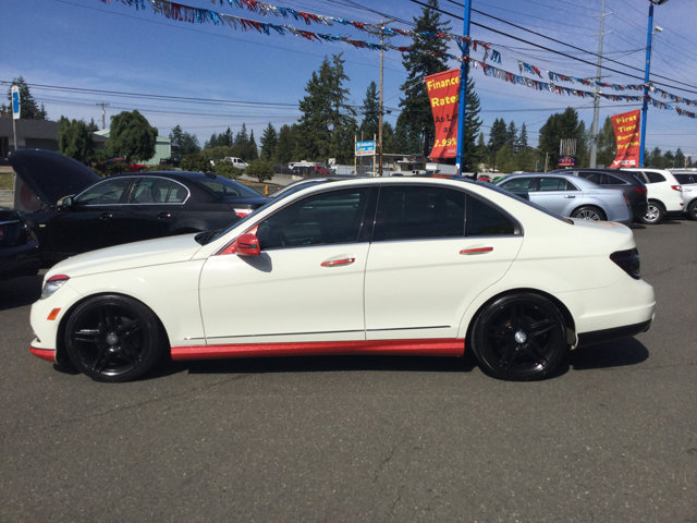 Used 2011 Mercedes-Benz C-Class 4dr Sdn C 300 Luxury 4MATIC