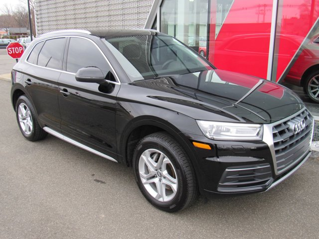 2019 Audi Q5 Premium PANORAMIC SUNROOF BLACK  LEATHER SEATING SURFACES AUDI BEAM-RINGS  -inc Low