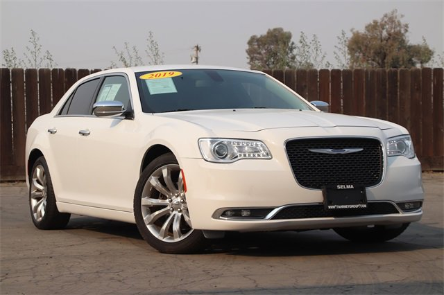 2019 Chrysler 300 Limited Limited RWD Regular Unleaded V-6 3.6 L/220 [1]
