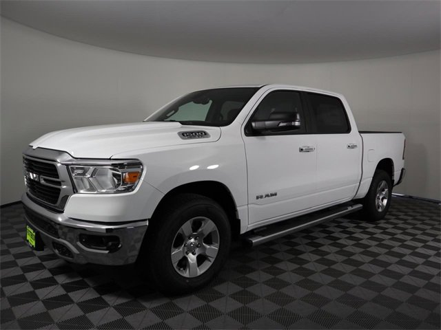 2020 Ram 1500 Lone Star Lone Star 4x2 Crew Cab 5'7″ Box Regular Unleaded V-8 5.7 L/345 [18]
