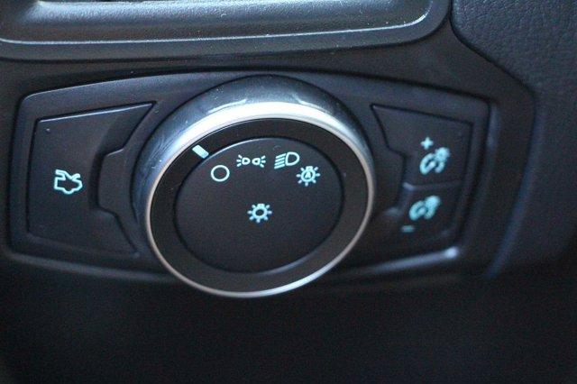 2018 Ford Focus SE 24
