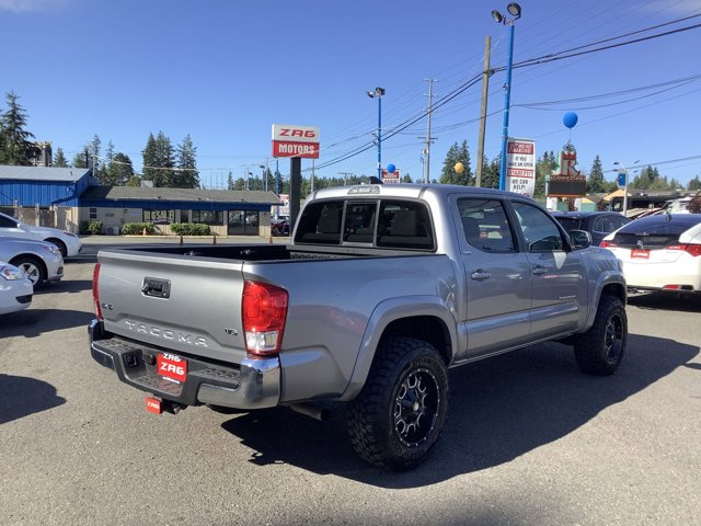 2017 Toyota Tacoma SR5 Double Cab 5' Bed V6 4x4 AT