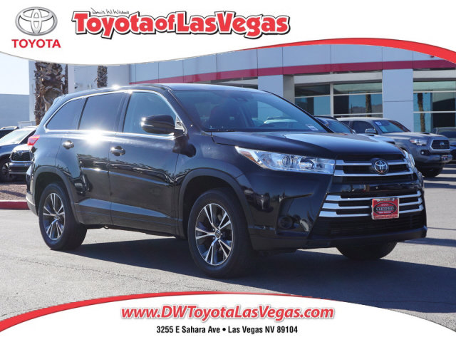 2017 Toyota Highlander LE LE I4 FWD Regular Unleaded I-4 2.7 L/163 [1]