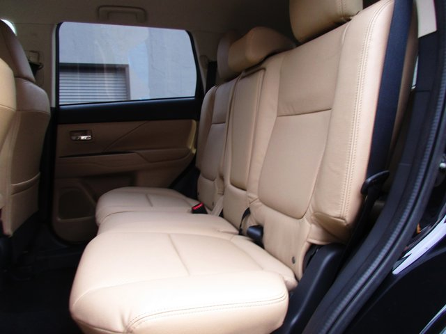 Photo 15 of this used 2017 Mitsubishi Outlander vehicle for sale in San Rafael, CA 94901