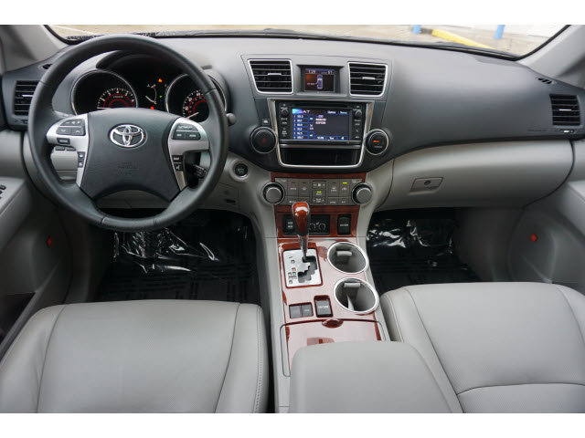 Used 2013 Toyota Highlander in College Station, TX