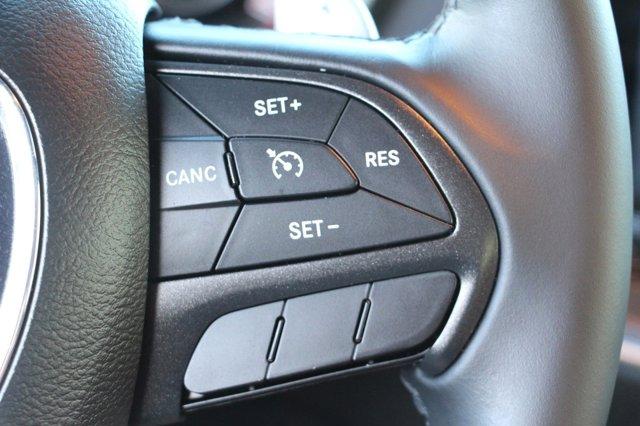 2016 Dodge Challenger R/T 26