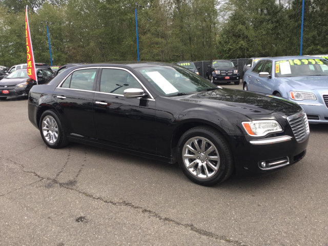 Used 2013 Chrysler 300 4dr Sdn 300C RWD