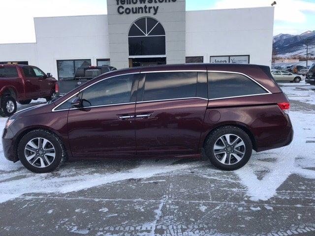 2015 Honda Odyssey Touring photo