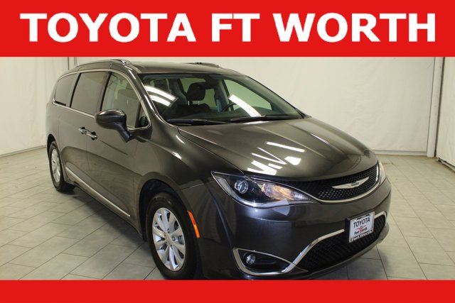 Used 2019 Chrysler Pacifica in Fort Worth, TX