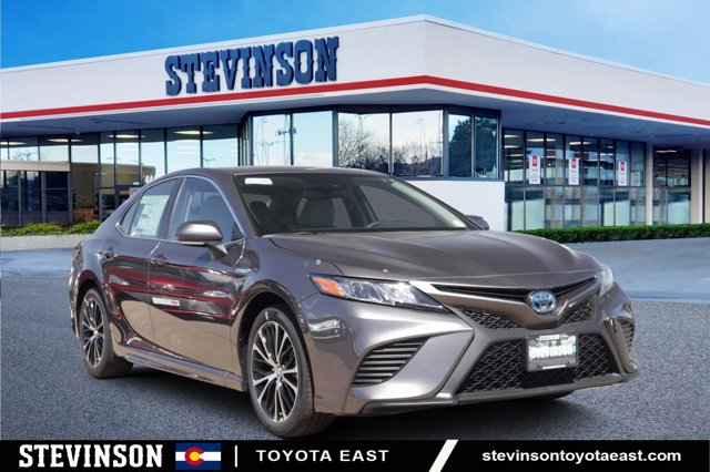 New 2020 Toyota Camry Hybrid in Aurora, CO