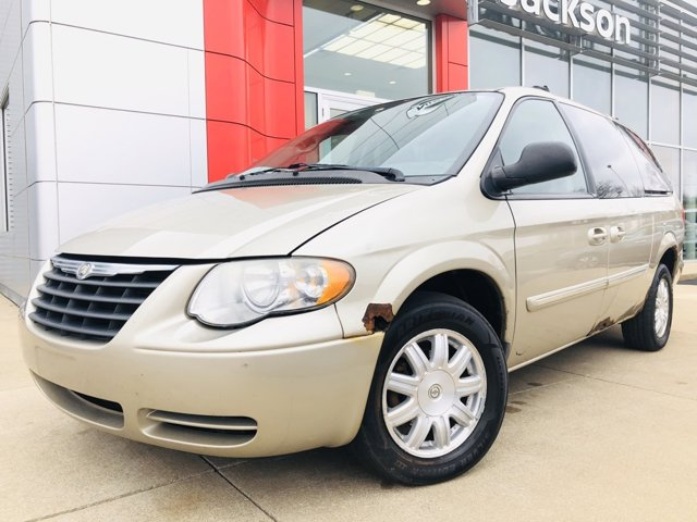 Used 2006 Chrysler Town & Country LWB in Jackson, MI
