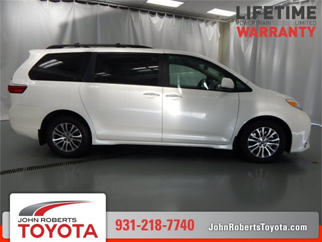 New 2020 Toyota Sienna in Manchester, TN