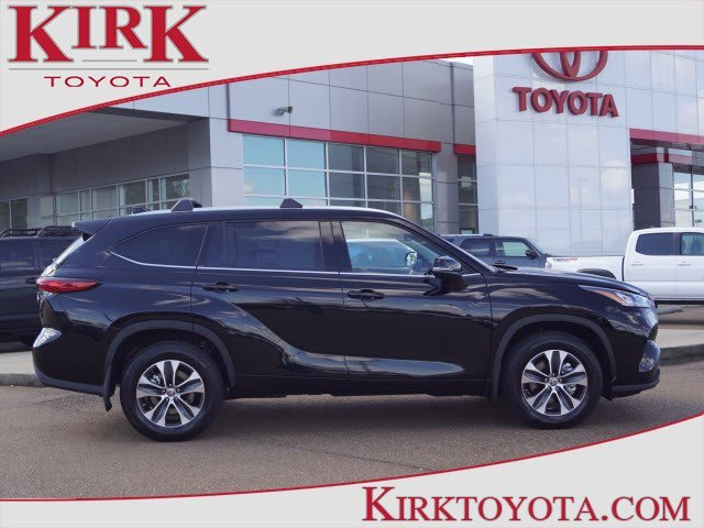 New 2020 Toyota Highlander in Grenada, MS