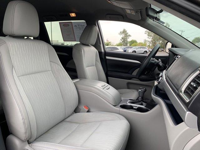 Used 2016 Toyota Highlander FWD 4dr V6 LE Plus
