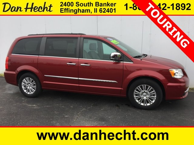 Used 2016 Chrysler Town & Country in Effingham, IL