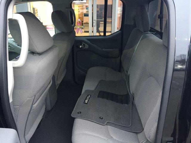 2019 Nissan Frontier SE V6 photo