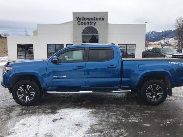 2017 Toyota Tacoma Pickup photo